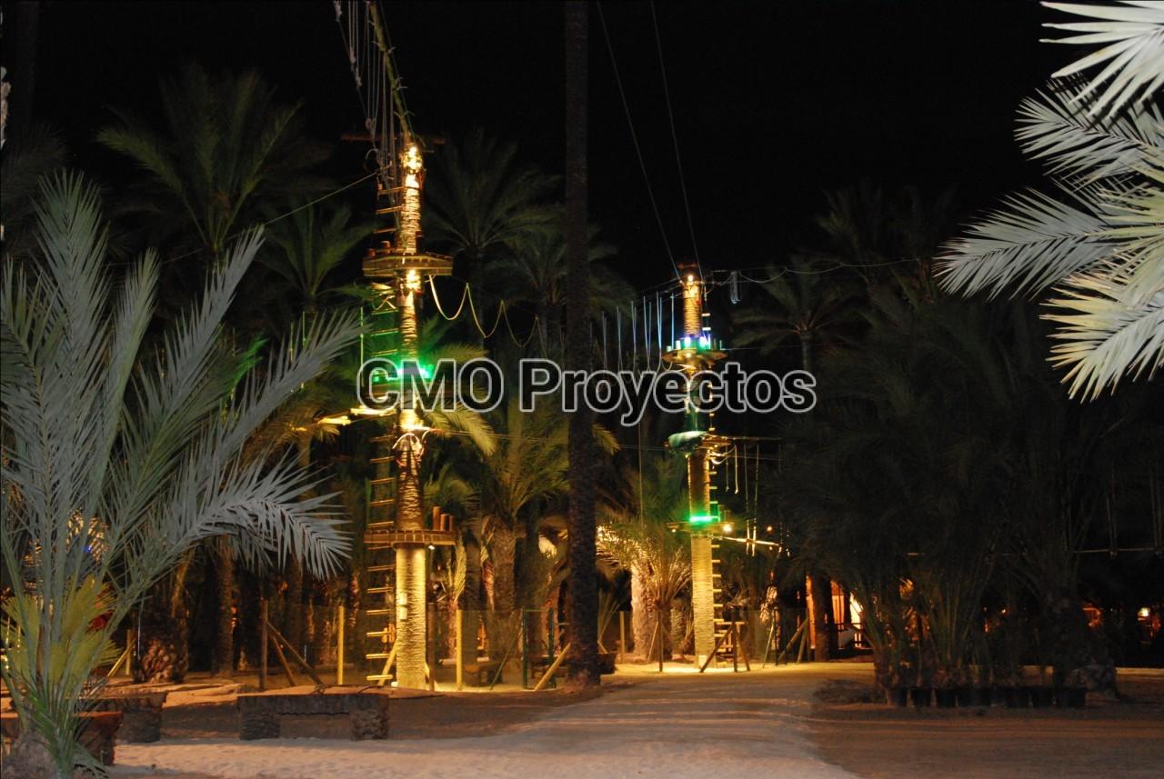 Iluminación nocturna en Parque Multiaventura CMO Proyectos
