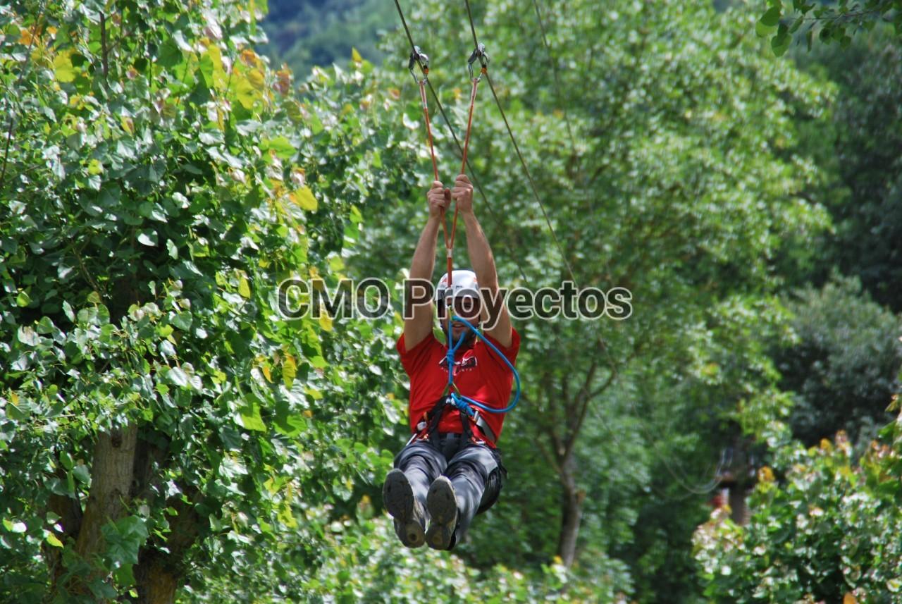 Giant double zip lines en Parque Multiaventura CMO Proyectos